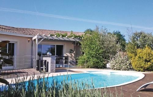 Holiday Home Le Bois de L'Etang - 04 : Guest accommodation near La Roche-Chalais