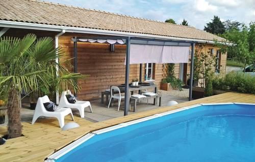 Holiday Home Le Bois de L'Etang - 05 : Guest accommodation near La Roche-Chalais