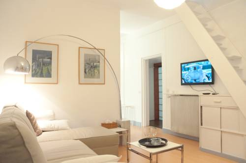 Duplex Sentenac : Guest accommodation near Joinville-le-Pont