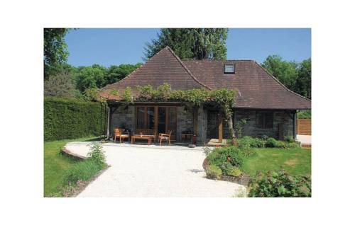 Two-Bedroom Holiday home Saint Front la Riviere 0 09 : Guest accommodation near Nontron
