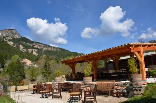 Camping Calme et Nature : Guest accommodation near Barrême