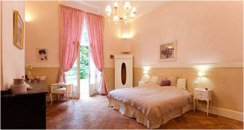 Le Petit Chateau Argoumbat : Bed and Breakfast near Asques