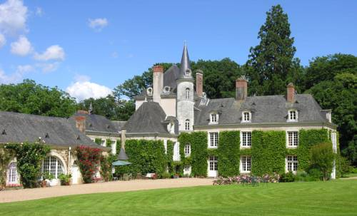 Château du Plessis - Anjou : Bed and Breakfast near Andigné