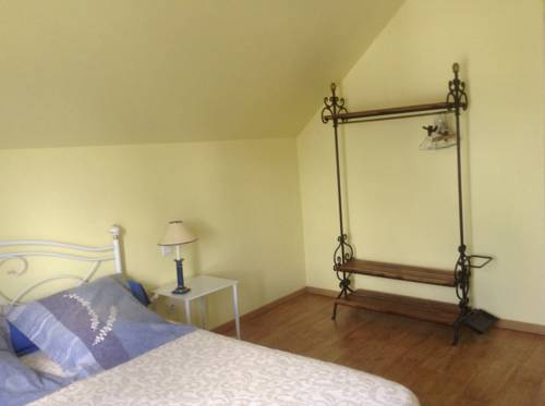 Chambre d'Hôtes Le Guilloux : Bed and Breakfast near Saint-Avé