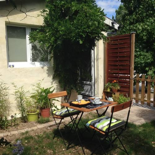 Appartement Wisteria : Apartment near Saint-Aubin-de-Médoc