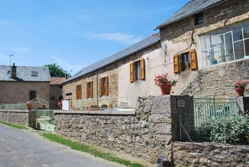 Chambres d'hôtes Entre Dolmens et Fontaines : Bed and Breakfast near Sévérac-le-Château