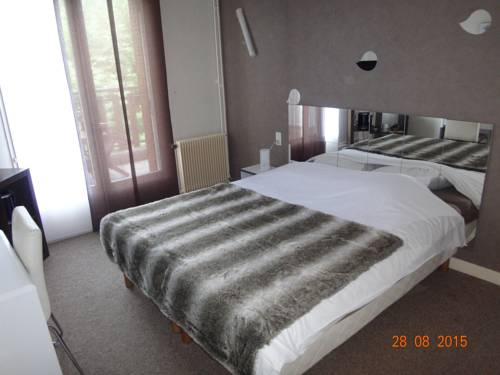 Hôtel Bon Accueil : Hotel near Les Neyrolles