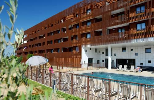Hotel meze hotels near m ze 34140 france for Sete appart hotel
