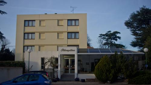 Promotel : Hotel near Saint-Denis-en-Val