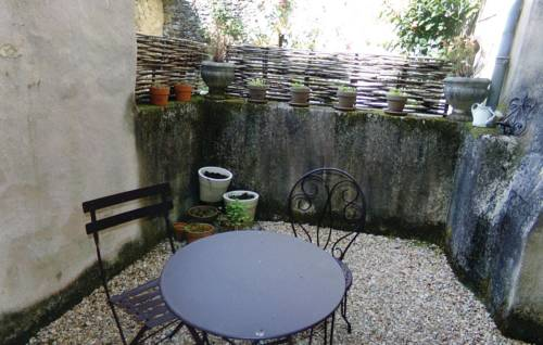 Holiday Home Saint Jean de Cole with a Fireplace 05 : Guest accommodation near Thiviers