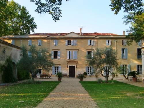 Château Rieutort Gîtes : Guest accommodation near Adissan