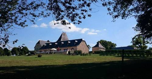 Chateau de Larre : Bed and Breakfast near Badefols-d'Ans