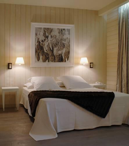 Logis Hotel Villa Cahuzac : Hotel near Aurimont