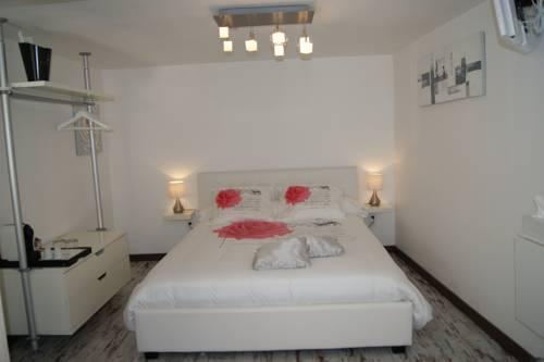 B&B Villa Castelnau Montpellier : Bed and Breakfast near Castelnau-le-Lez