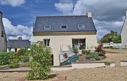 Holiday home Poullaouen 51 : Guest accommodation near Carhaix-Plouguer