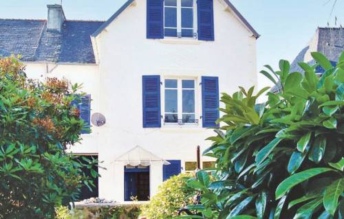 Holiday home Rue Du Faou : Guest accommodation near Laz