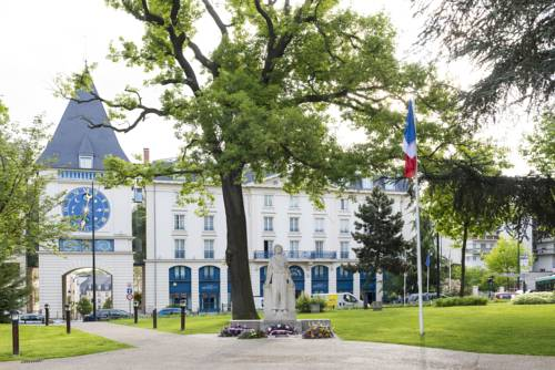Le Plessis Grand Hotel : Hotel near Le Plessis-Robinson
