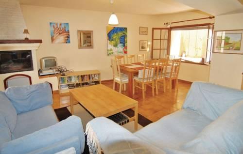 Holiday home St Genies de Fontedit CD-1283 : Guest accommodation near Autignac