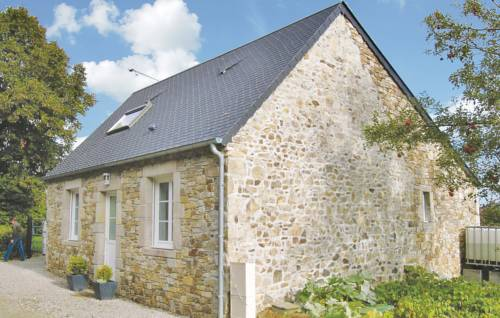 Holiday home Route De La Tannerie : Guest accommodation near Bricquebec
