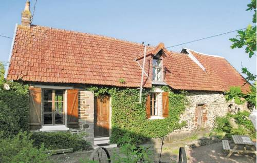 Holiday home St. Lo 38 : Guest accommodation near Pont-Hébert