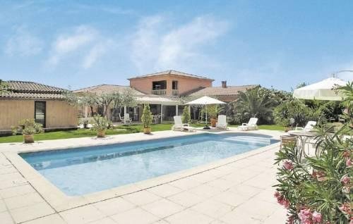 Holiday Home St Gely Du Fesc Allee Des Ecureuils : Guest accommodation near Saint-Gély-du-Fesc