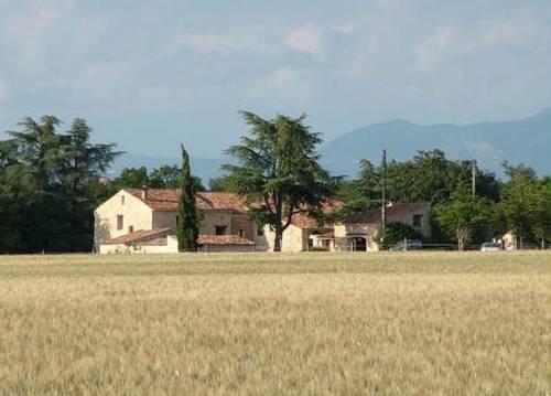 Les Gîtes De La Chérine : Guest accommodation near Quinson