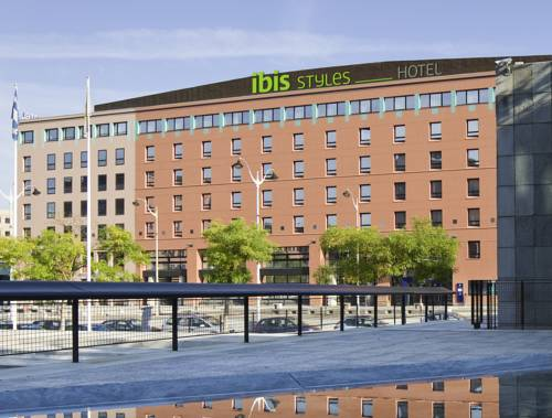 ibis Styles Evry Cathédrale : Hotel near Le Coudray-Montceaux