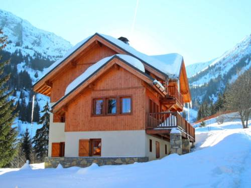 Chalet Clos Du Pré : Guest accommodation near Allemond