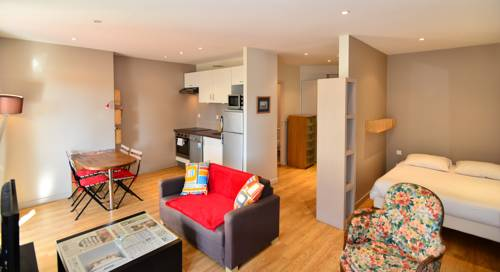 Appart' Terrasse : Apartment near Villeurbanne