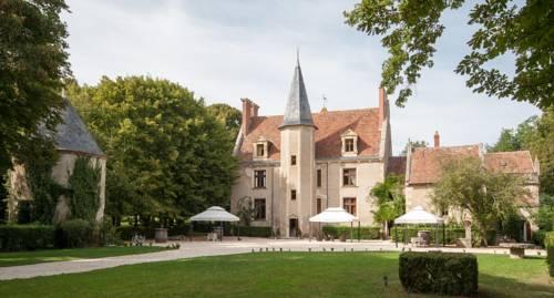 Château - Hôtel Le Sallay : Hotel near Coulanges-lès-Nevers