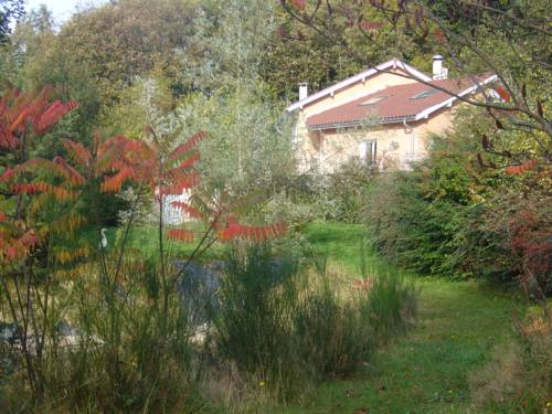 Le Jardin Ombragé : Bed and Breakfast near Bressieux