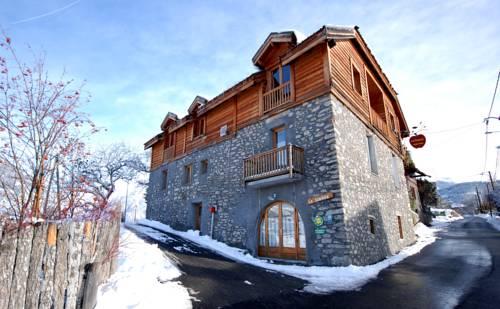 La Source Chambres d'hôtes : Bed and Breakfast near Réotier