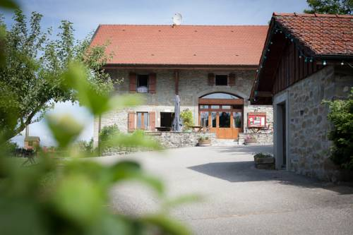 Le Bonheur dans le Pré : Hotel near Reignier-Esery