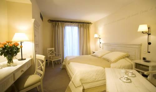 Domaine de Clairefontaine : Hotel near Auberives-sur-Varèze