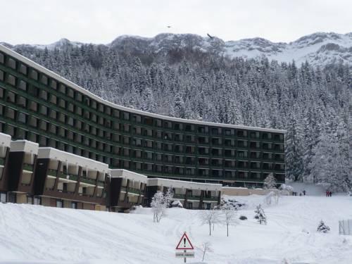 Appartements aux Glovettes : Apartment near Vif