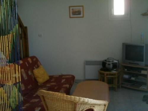 Two-Bedroom House in Pezenas I : Guest accommodation near Alignan-du-Vent