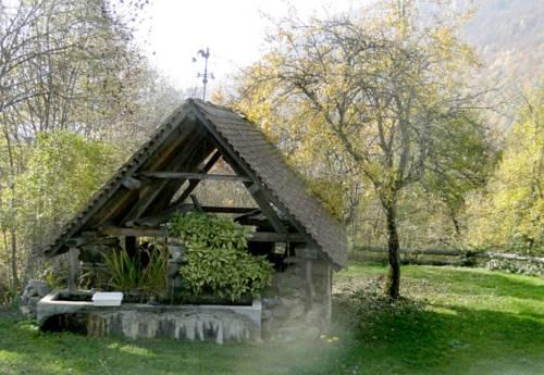 Angustia : Guest accommodation near Saint-Barthélemy-de-Séchilienne