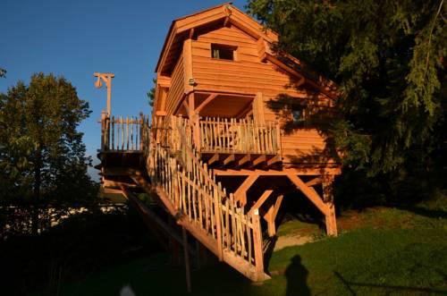 Cabane L'Orée des Bornes : Guest accommodation near Reignier-Esery
