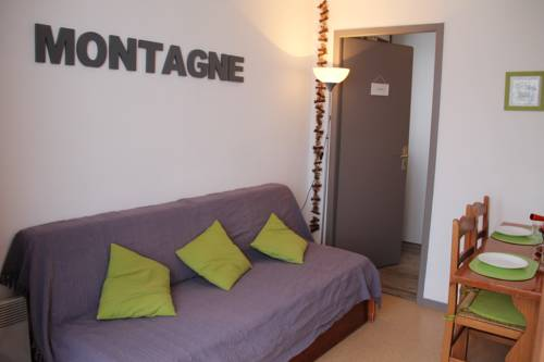 Hotel saint martin sur la chambre hotels near saint for Bus saint avre la chambre saint francois longchamp