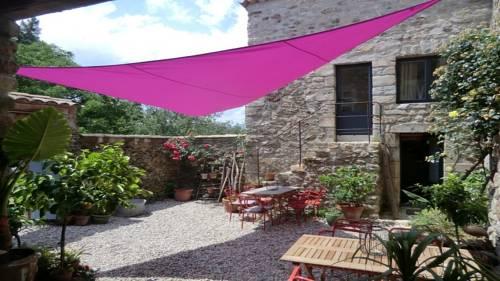 La Demeure des Maitres : Bed and Breakfast near Lalevade-d'Ardèche