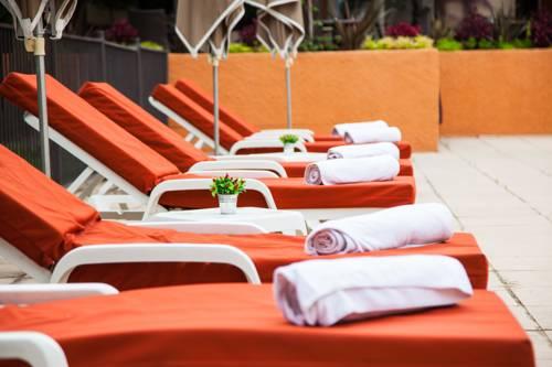 Qualys-Hôtel Mas Des Arcades : Hotel near Perpignan
