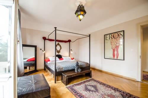 Villa12 GuestHouse : Hostel near Rosenau
