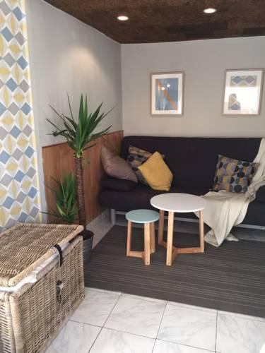 hotel castelnau le lez hotels near castelnau le lez 34170 france. Black Bedroom Furniture Sets. Home Design Ideas