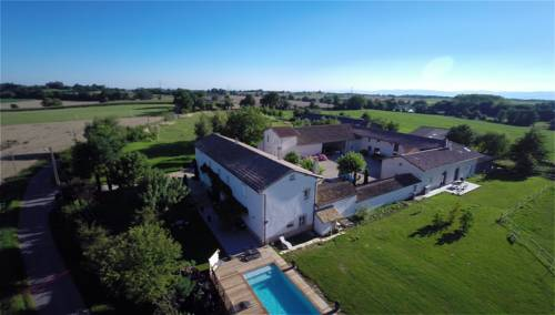 Le Clos De Valeins : Bed and Breakfast near Saint-Trivier-sur-Moignans