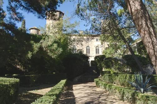 Château d'Agel Chambres d'hôtes : Guest accommodation near Aigues-Vives