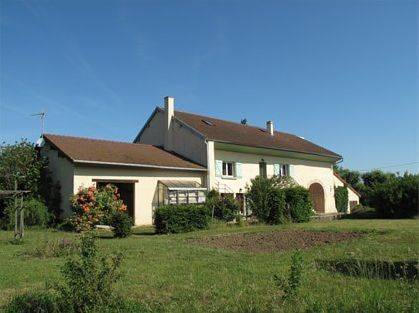 La Casa Colorada : Bed and Breakfast near Flacey-en-Bresse