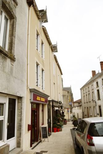 Hotel saint laurent sur sevre hotels near saint laurent for Appart hotel cholet
