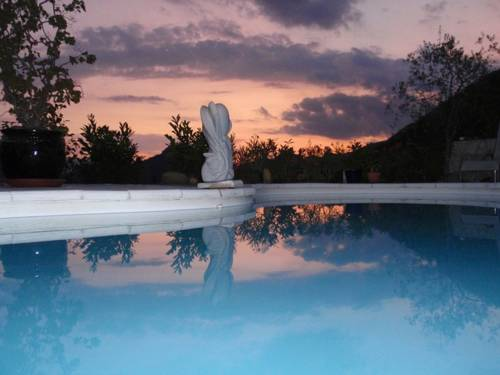Villa Oa Oa : Bed and Breakfast near Revest-les-Roches