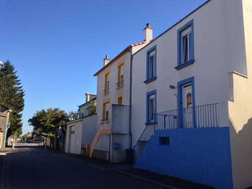 La Maison Bleue : Guest accommodation near Rezé