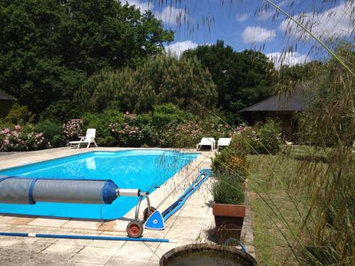 le petit clos : Guest accommodation near Cuon